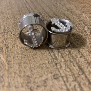 5/8 Studded Anchor Plugs